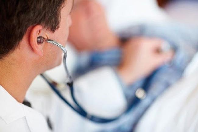 Προκήρυξη 400 νέων θέσεων ιατρικού προσωπικού – Τι ανακοίνωσε ο Κοντοζαμάνης