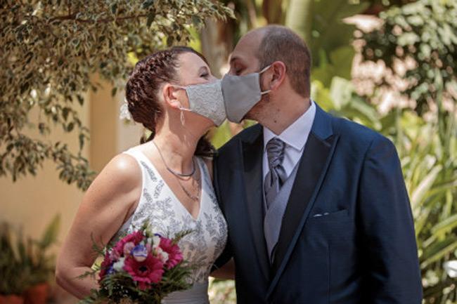 Γάμοι και βαφτίσεις μόνο με οικογένειες και κουμπάρους – Τέλος οι συναυλίες και τα θέατρα