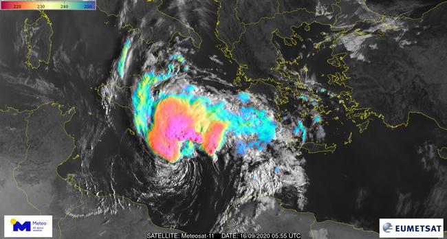 """Κακοκαιρία """"Ιανός"""": Έρχονται καταιγίδες και θυελλώδεις άνεμοι – Η πιθανότητα δημιουργίας μεσογειακού κυκλώνα"""