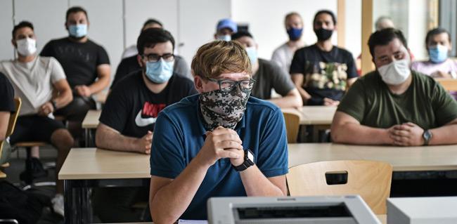Νέος διαγωνισμός 3,3 εκατ. ευρώ για μάσκες στα σχολεία μετά το φιάσκο