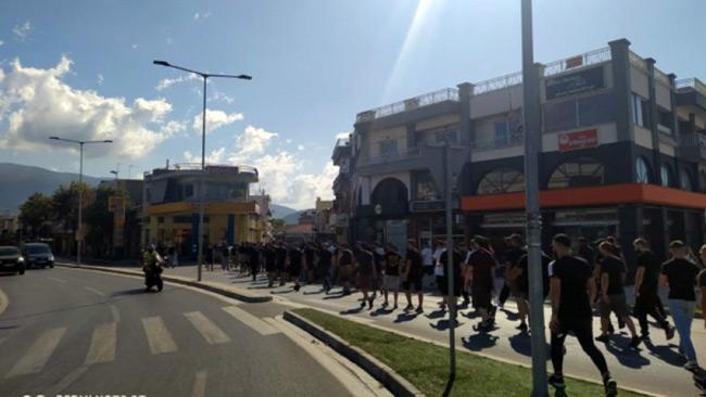 ΑΕΚ – Ολυμπιακός: Επεισόδια στον Βόλο μεταξύ οπαδών και αστυνομίας