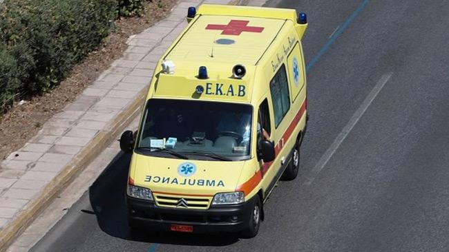 Μεσολόγγι: Αστυνομικός σώζει από πνιγμό 5χρονο – Είχε καταπιεί κέρμα