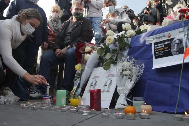 Εφιάλτης με δημόσιους αποκεφαλισμούς στη Γαλλία