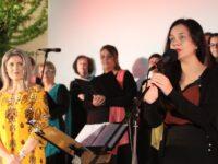 Με τη παρουσίαση έξι χορωδιών κήρυξε έναρξη το «1ο Φεστιβάλ Χορωδιών Αγρινίου»στο θερινό Κινηματογράφο ΕΛΛΗΝΙΣ .
