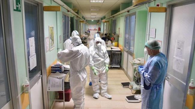 """Κορονοϊός: """"Μαύρη"""" ημέρα με 108 νεκρούς και 522 διασωληνωμένους – 2.311 νέα κρούσματα"""
