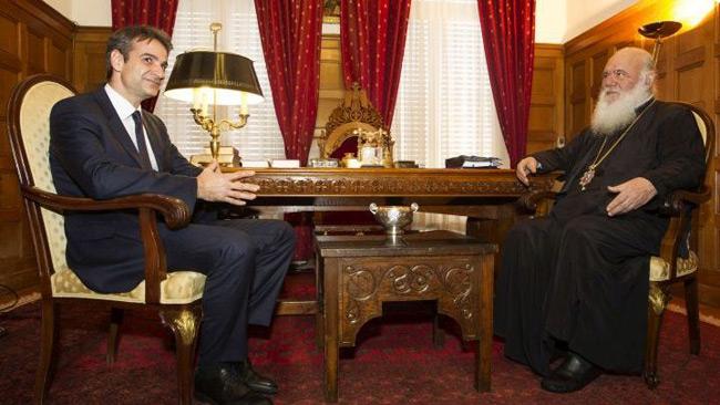 Κορονοϊός: Αρνητικός ο Μητσοτάκης, προληπτικά στη ΜΕΘ ο Αρχιεπίσκοπος Ιερώνυμος