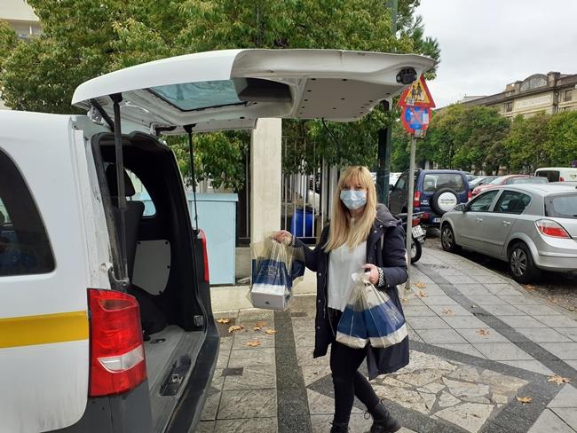 Παγκόσμια Ημέρα Εθελοντισμού, η Ακτίνα Εθελοντισμού του Δήμου Αγρινίου πρόσφερε στο ΚΔΑΠμεα γλυκά