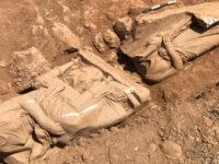 Εντυπωσιακή ανακάλυψη στην Παιανία: Επιτύμβιο μνημείο με δυο γυναικείες μορφές
