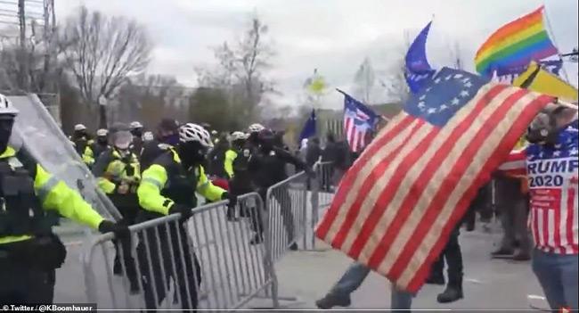 Σοβαρά επεισόδια στην Ουάσινγκτον – Υποστηρικτές του Τραμπ επιχείρησαν να εισβάλουν στο Καπιτώλιο
