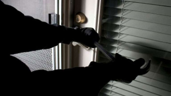 Νέα απόπειρα ληστείας σήμερα Τρίτη στην περιοχή του Κάμπου Αμπελακίου – Ο δράστης ξάφνιασε τον ιδιοκτήτη