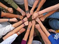 Η δικομματική «προσφορά» στους νέους: σύνταξη ή μολότοφ…