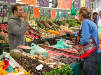 Σε διαβούλευση το νομοσχέδιο για τις λαϊκές αγορές και το υπαίθριο εμπόριο