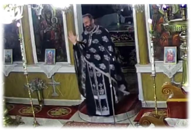 Ιερέας: «Όποιος φοράει μάσκα, έχει κάνει το εμβόλιο και τα τεστ για κορονοϊό δεν θα μπει στην εκκλησία»