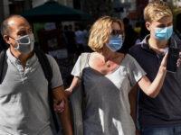 Κορονοϊός: Κοντά στα 3.500 κρούσματα την Τρίτη και αύξηση νοσηλειών – Τι είπε ο Αρκουμανέας