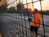 Γήπεδα beach tennis στην πόλη της Άρτας, δίπλα στον Άραχθο ποταμό.
