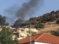 """Καλύβια Αττικής : Επτά τραυματίες από την έκρηξη σε σπίτι – """"Έσκασε"""" δεξαμενή υγραερίου"""