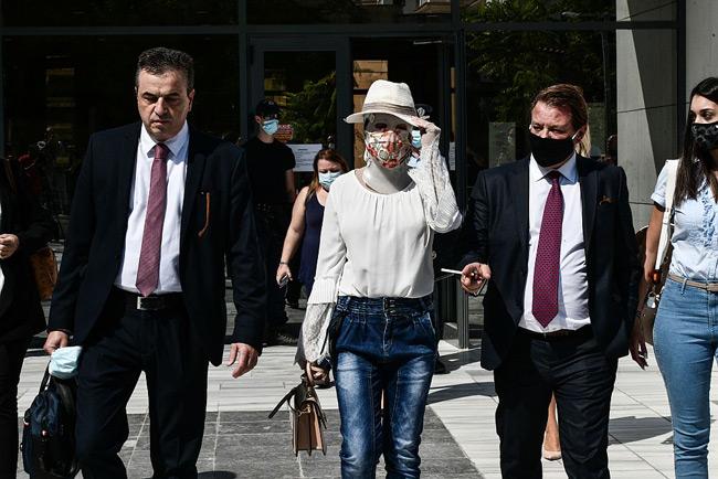 Δικηγόρος Ιωάννας: «Κρατούσε το χέρι μου σαν μικρό παιδί και είπε 2-3 φορές πρόσεχε με»