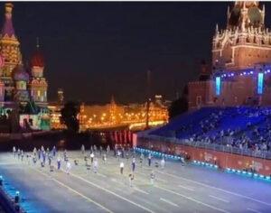 Τιμή στον Μίκη Θεοδωράκη στην Κόκκινη Πλατεία της Μόσχας