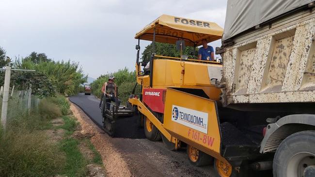 2.700 μέτρα ασφαλτοστρώσεων ολοκληρώθηκαν σε Καλόβατο και Κωστακιούς.