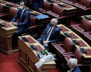 Φώφη Γεννηματά: Κλείνει σε ένδειξη πένθους η Βουλή, λουλούδια στο έδρανο της